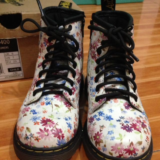 Dr. Martens Brooklee Little Flowers (Repriced)