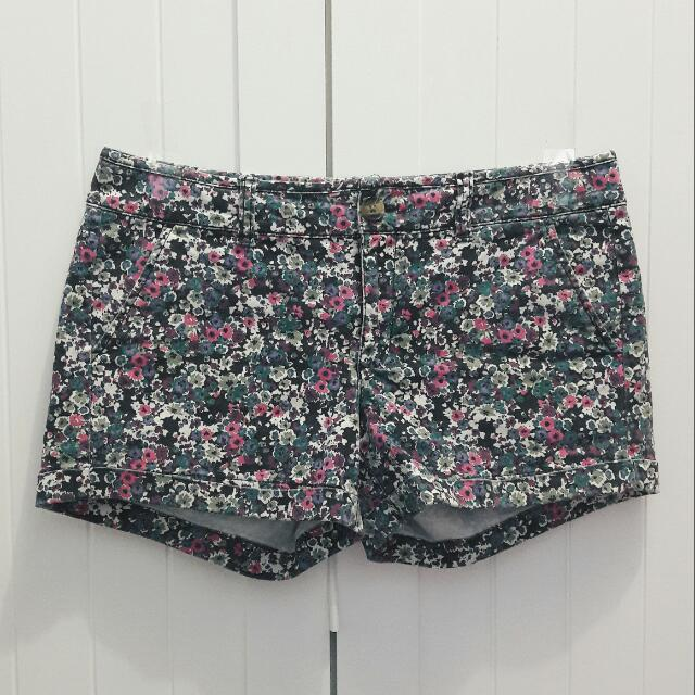 Floral Short Pants American Eagle Outfitters