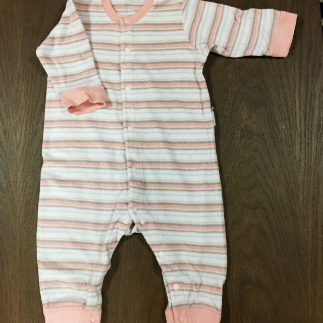 UNIQLO BABY SLEEPSUIT