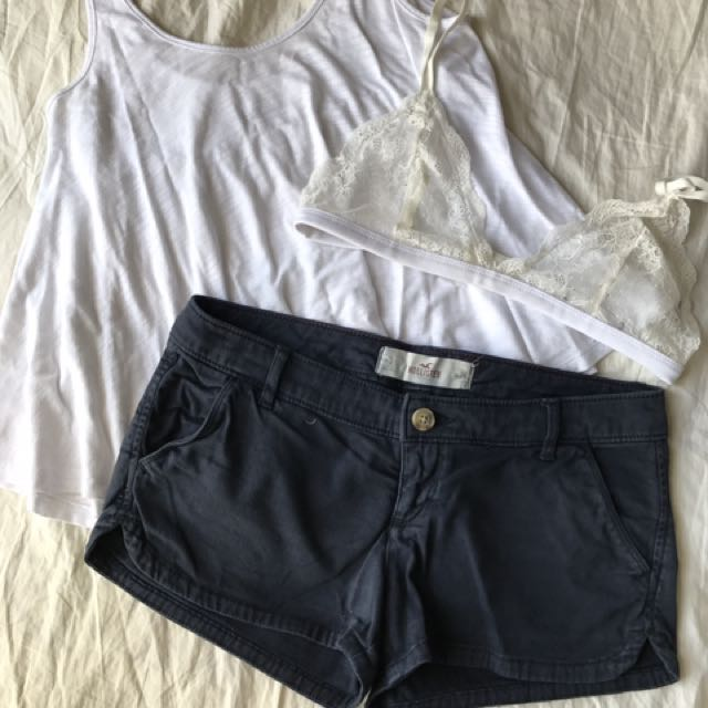 Hollister Size 3 Navy Shorts