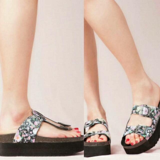 JEFFREY CAMPBELLS Aurelia Floral Platform Sandals Size 40/9