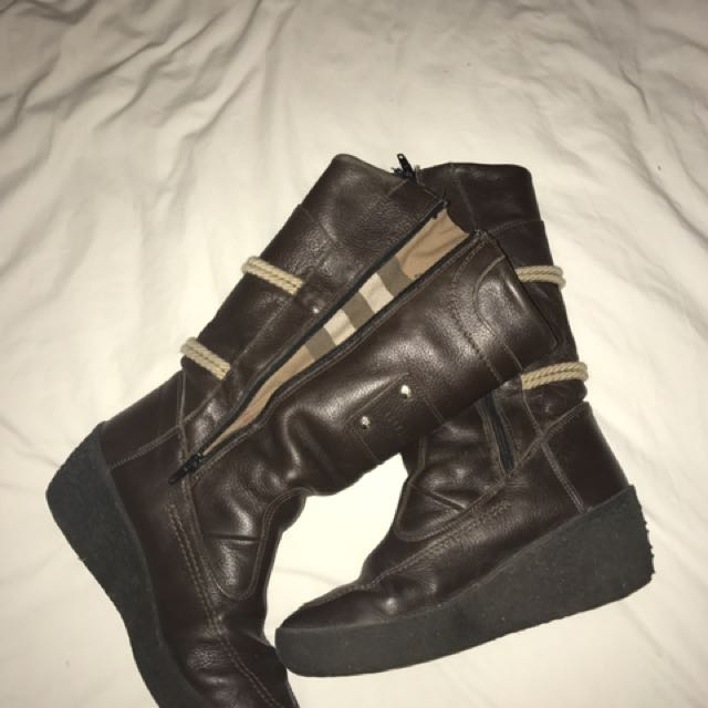 Real leather BURBERRY brown boots