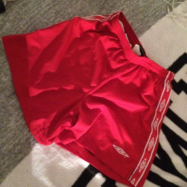 RED UMBRO SHORTS