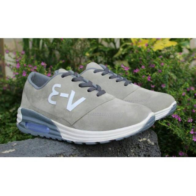 Sepatu Wanita / Casual / Sneakers / V - 3
