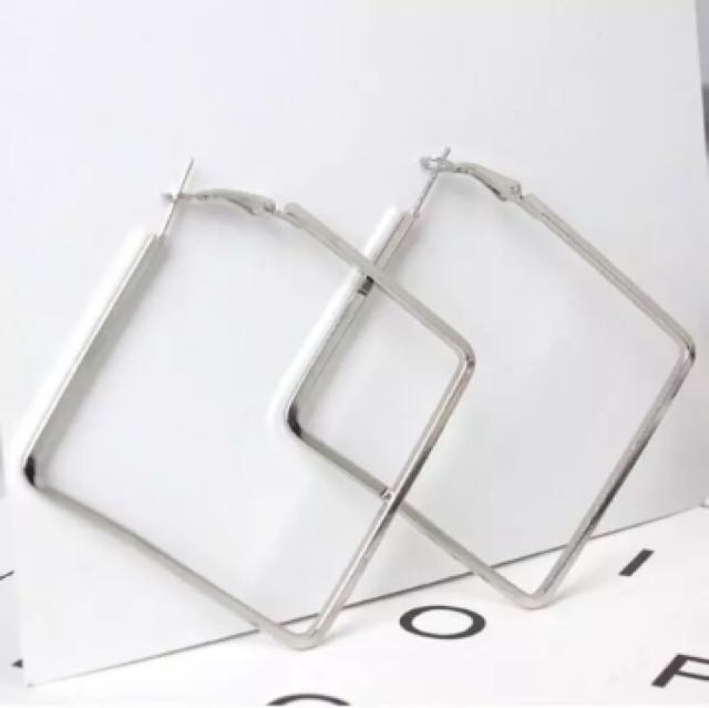 Square Earrings (Anting)