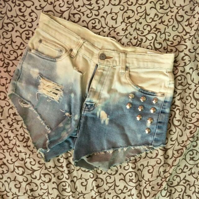 Highwaist Studded Denim Shorts