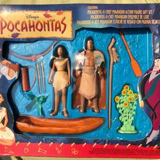 Mattel Disney Pocahontas and Chief Powhatan Action Figure Set