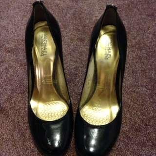 Michael Kors Round Toe Patent Heels Size 9