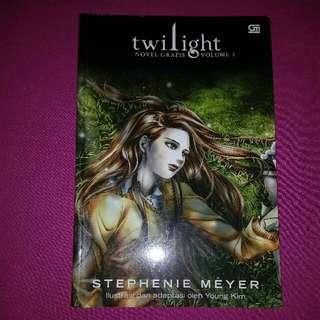 Novel Grafis Twilight Volume 1