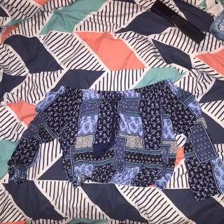 Size M Blue Off The Shoulder Crop