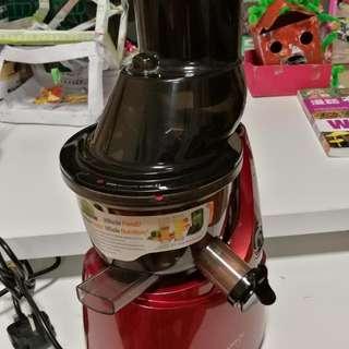 kuvings慢磨果汁機,約使用2O次,有單過保,100%正常