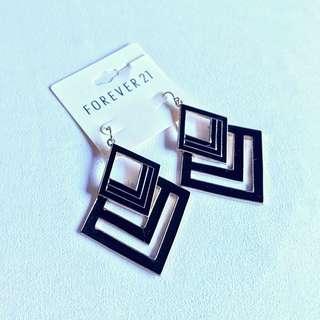 Forever 21 Dangling Black & Gold Earrings