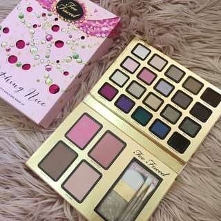 TOO FACED Limited Edition Everything Nice Palette