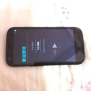 台灣大哥大 TWM Amazing X2 四核心4G全頻入門手機