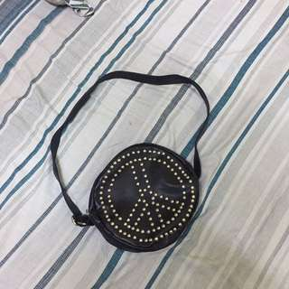 SLING BAG PEACE HITAM