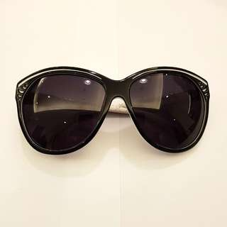 Chilli Beans - Thais Gusmao Sunglasses