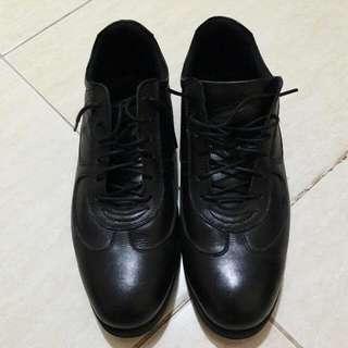 Sepatu Prada For Men