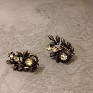 古董飾品  標記美品Coro 古銅葉脈栓式耳環