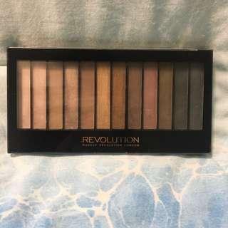 Makeup Revolution Iconic 1