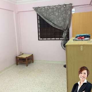 *Room for Rent* Blk 23 Hougang Avenue 3
