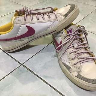 Original Nike Capri