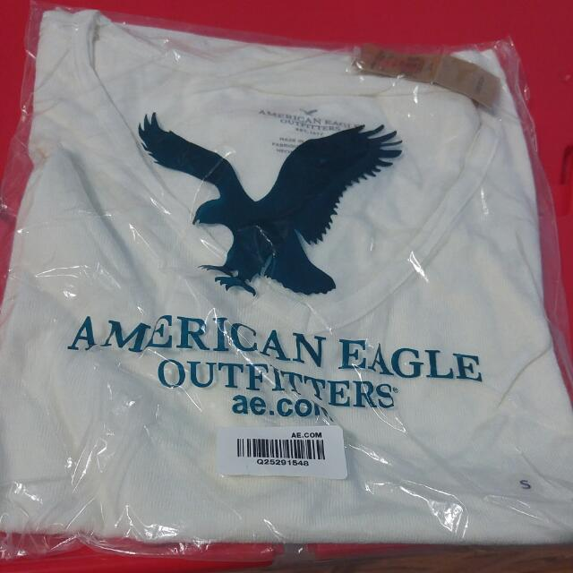American Eagle V Neck Shirt