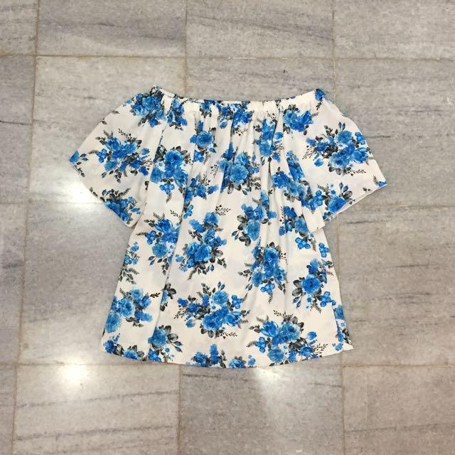 BLUE FLOWER SABRINA TOP
