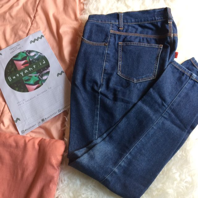 Celana Dark Jeans