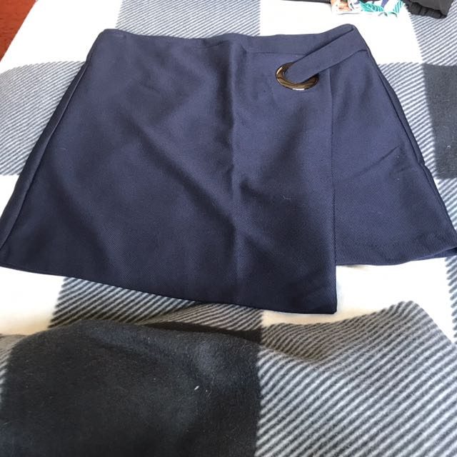 Chica Booti Skirt Size 14