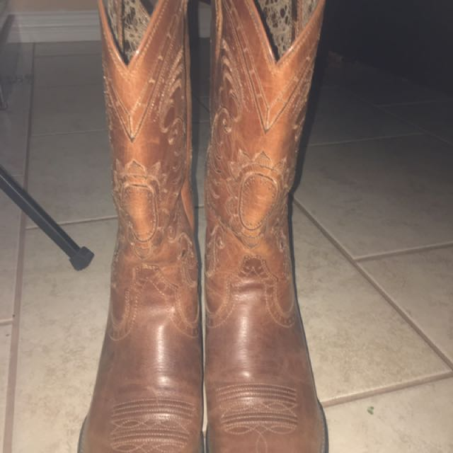 Cowboy Boots (Women) MONEY NEGOTIABLE