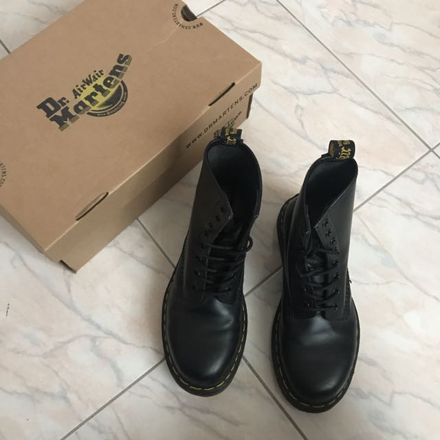 DR Martens Black Smooth Unisex Boots