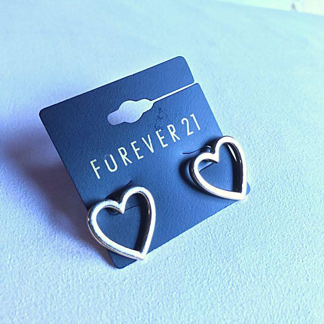 Forever 21 Gold Heart Earrings
