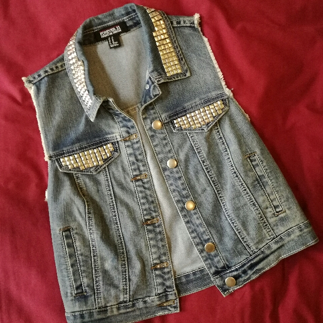 🌸Forever 21 Studded Denim Vest