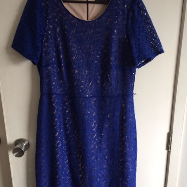 Formal Blue Size 14 Dress
