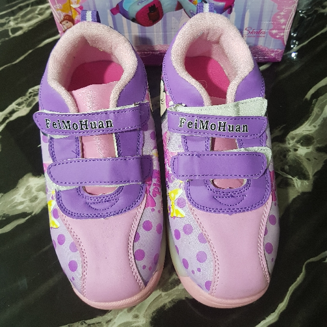Girl's Roller Shoes With Lights