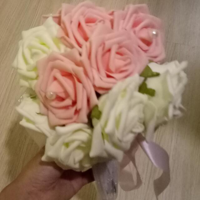 Hand Bouquet Of Flowers, Women\'s Fashion, Bridal Wear on Carousell