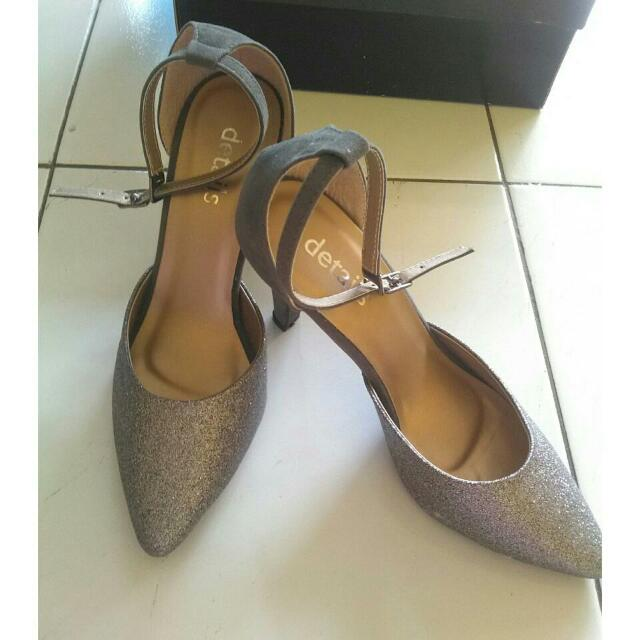NEW HEELS DETAILS SILVER