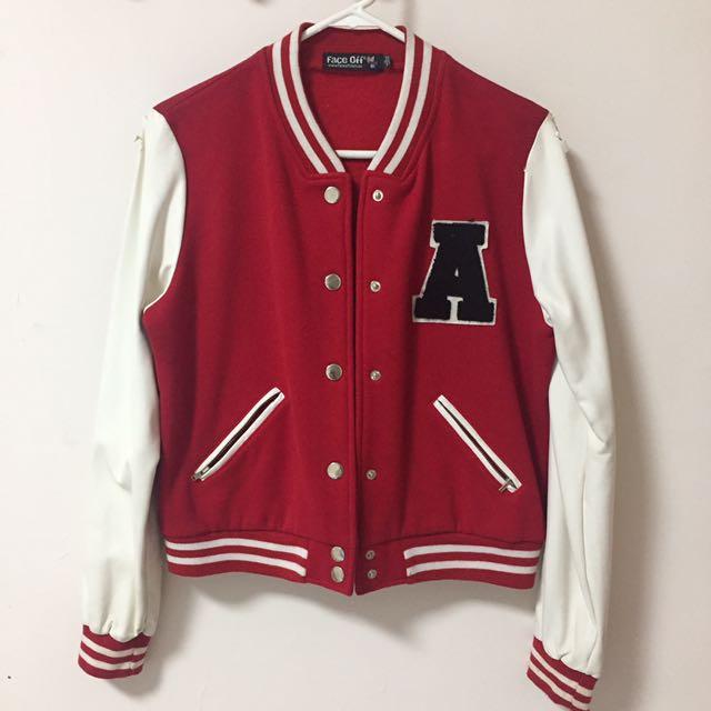 Jaket Varsity Merah