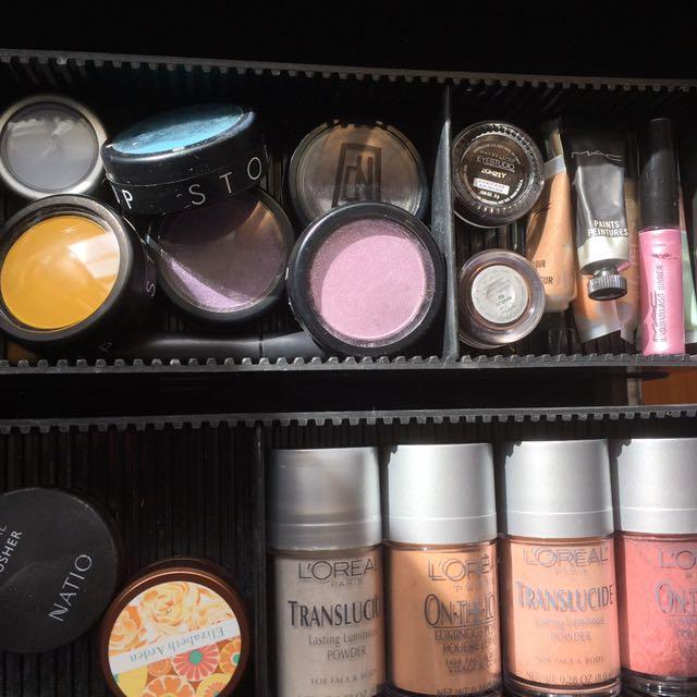 Makeup case And Makeup