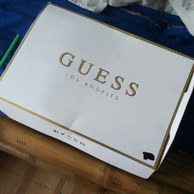 ORIGINAL UNWORN GUESS JEANS FOR BOYS
