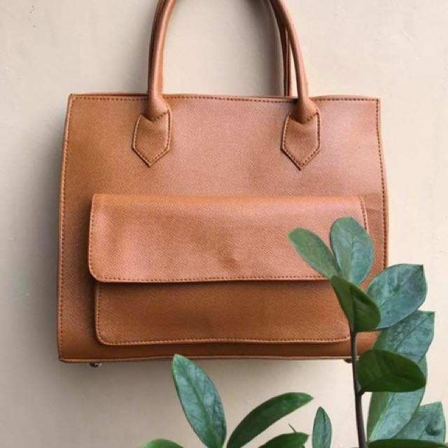 efd2e2884bc PHOEBE BAG (650PHP ONLY), Women s Fashion, Bags   Wallets on Carousell