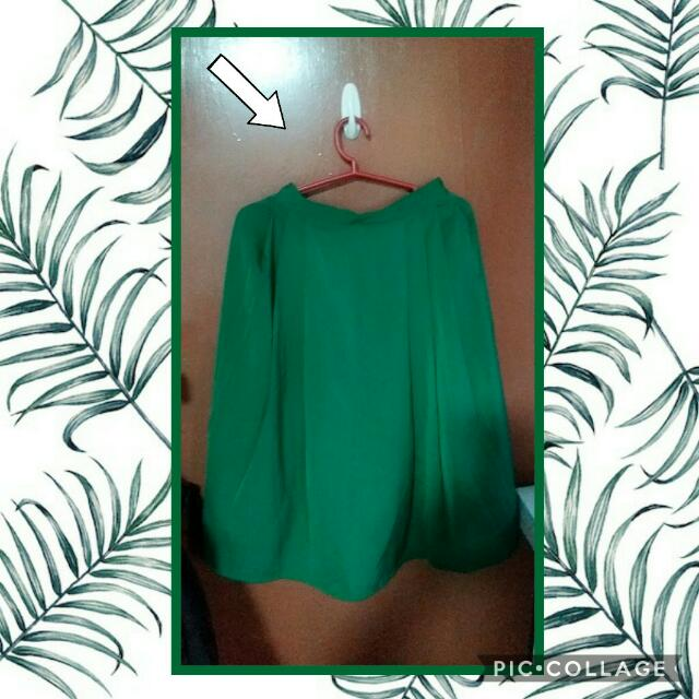 Pleated Midi Green Skirt.