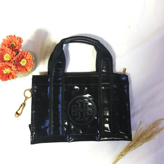15k Worth Tory Burch Bag Pre Loved With Free Keychain Good As Brand New
