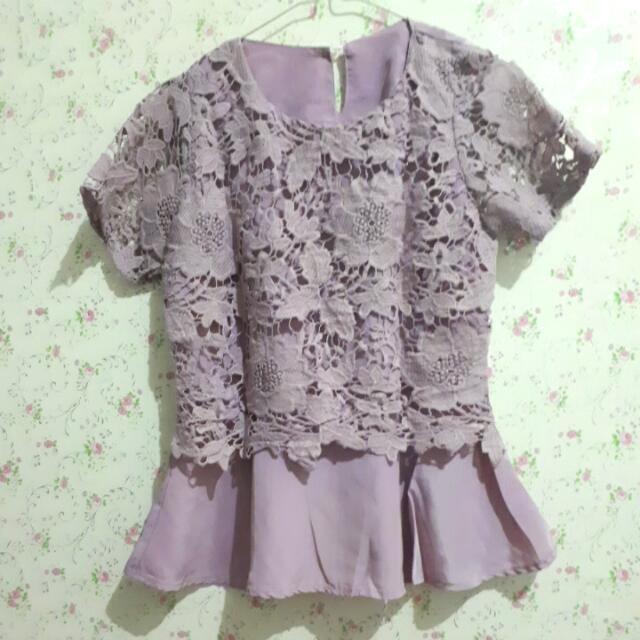 Purple Lace Top (Atasan Burkat Ungu)