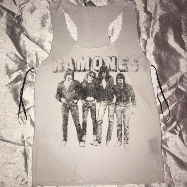 Ramones Tank // F21 🌸