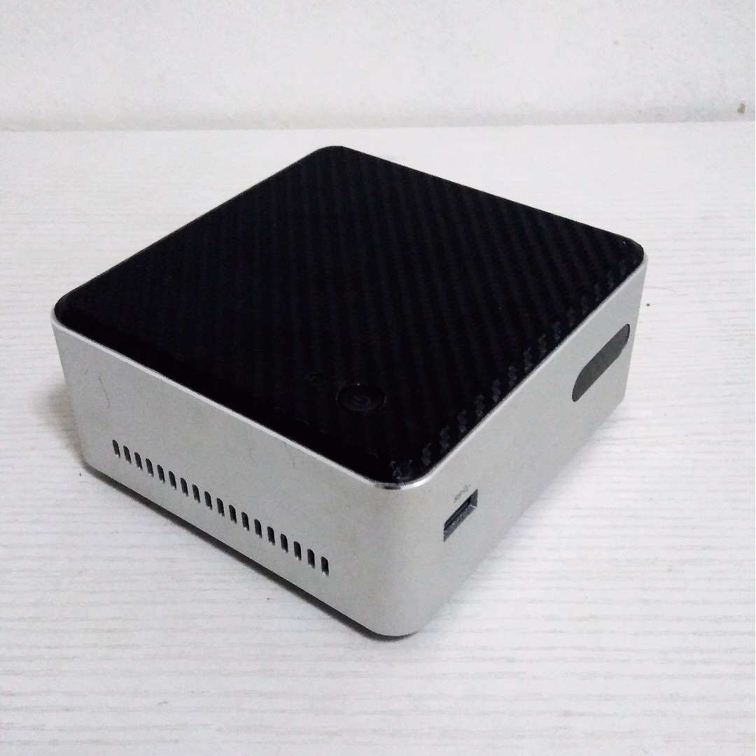 REPRICED!! ORIG Intel NUC DN2820FYKH (with RAM SSD Wifi card BT Keyboard Mouse)