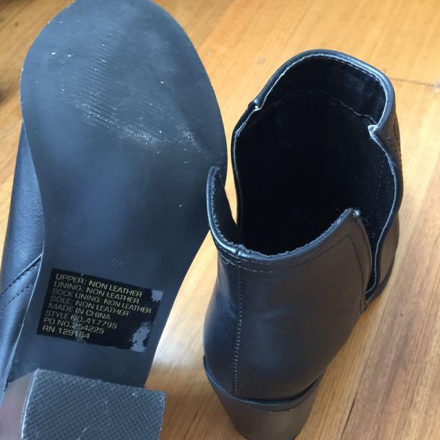 Rubi Black Boots Sz 39
