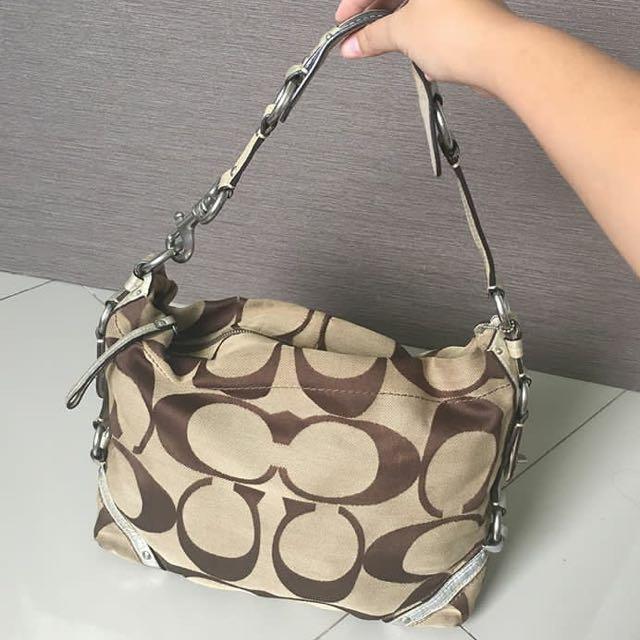 SALE 🎉COACH Handbag in Beige