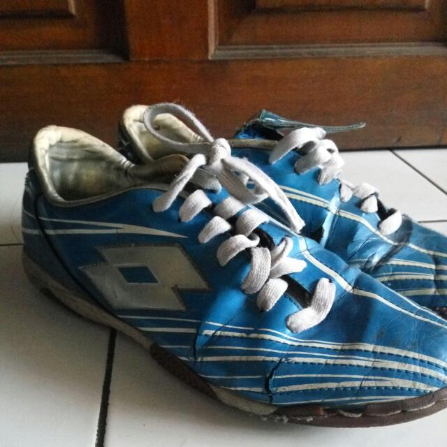 Sepatu Futsal Lotto