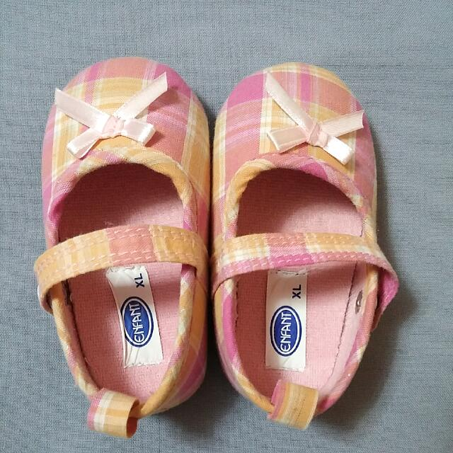 Set: 3 Baby Shoes